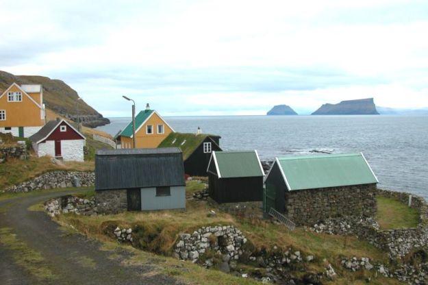 800px-Skarvanes_Faroe_Islands