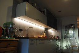 ...fénycsíkos konyha...