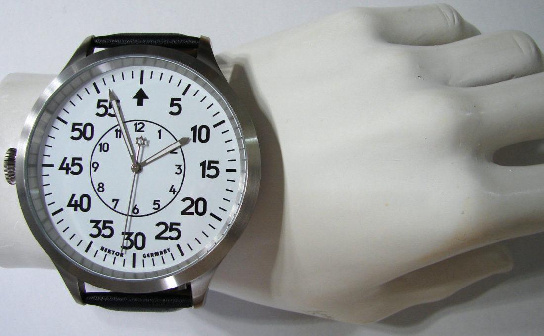 HEKTOR B die XXXL Armbanduhr