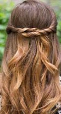 Chic Mother's Day Hairstyles