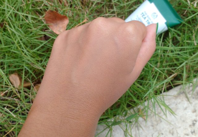 The Body Shop Tea Tree Flawless BB Cream | Review and Swatches