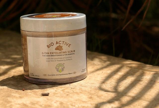 Greenberry Organics Bio-Active D-Tan Exfoliating Scrub