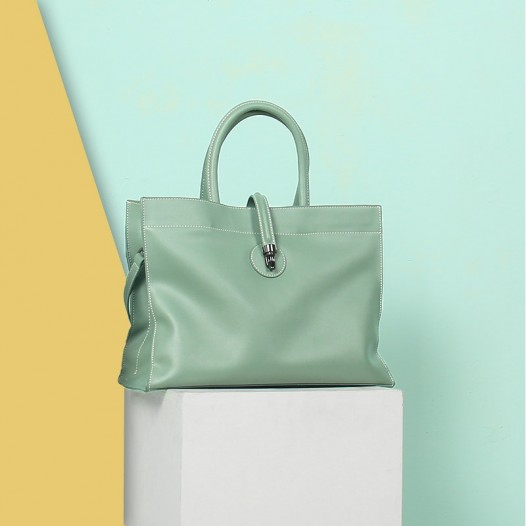 women_s_light_blue_leather_tote_bag_with_zipper_2_.jpg