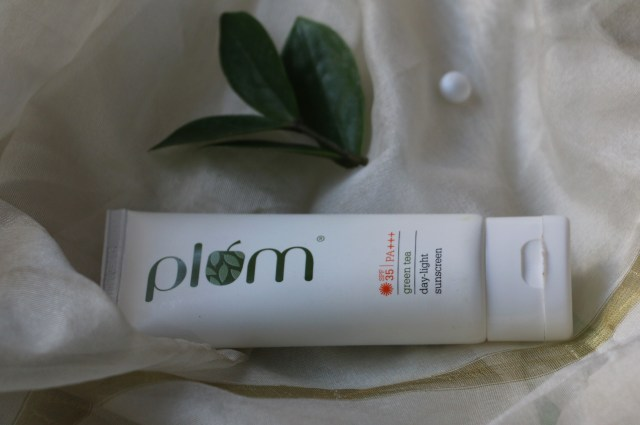 Plum Green Tea Day-Light Sunscreen | Review