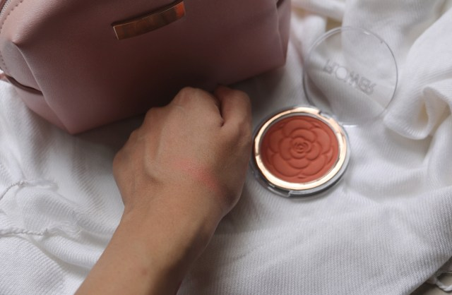 Flower Beauty Flower Pots Powder Blush - Peach Primrose | Review and Swatches