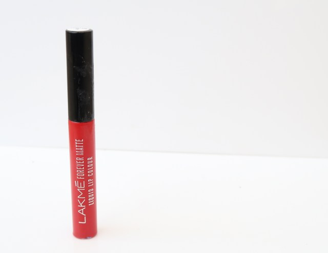 Lakme Forever Matte Liquid Lip Colour | Review and Swatches