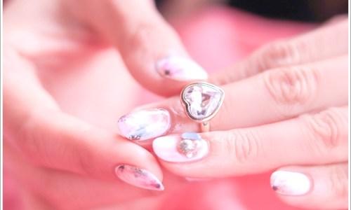 指輪、女性