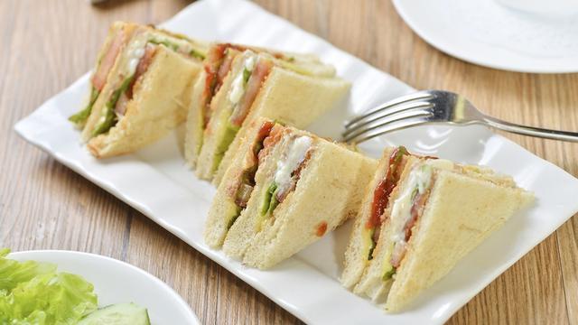 Cara Membuat Sandwich Simple yang mudah Dipraktikkan di Rumah, Pas Buat Sarapan - Lifestyle Liputan6.com