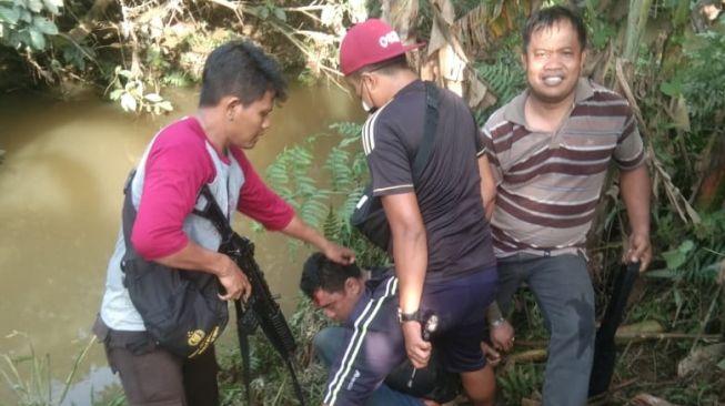 Dikejar Polisi dan Warga, Perampok Lompat ke Sungai Malah Diterkam Buaya