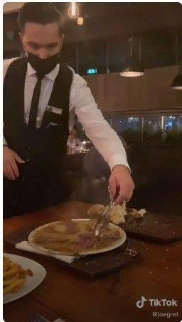Viral! Restoran ini Tawarkan Steak Berlapis Emas Seharga Rp 7,2 Juta. (Dok: joegret)