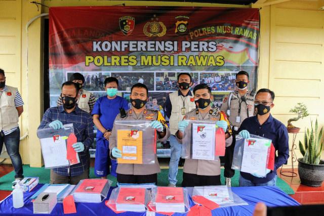 Pakai Dana Corona untuk Berjudi, Kades di Sumsel Terancam Hukuman Mati (1)