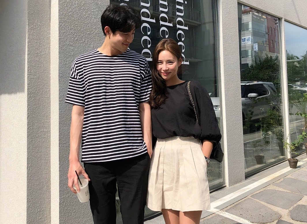 Instagram Feed Makin Kece, Ini 5 Pose Foto Bareng Pacar ala Couple Korea - Facetofeet.com