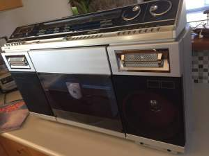 Sharp VZ-2000 Record-Playing Boombox Restoration