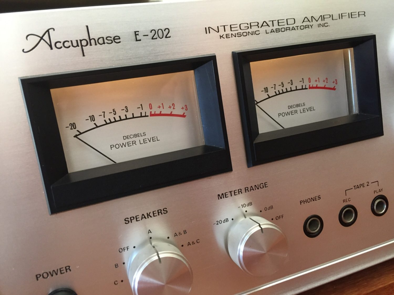 Accuphase E-202 Integrated Amplifier Restoration
