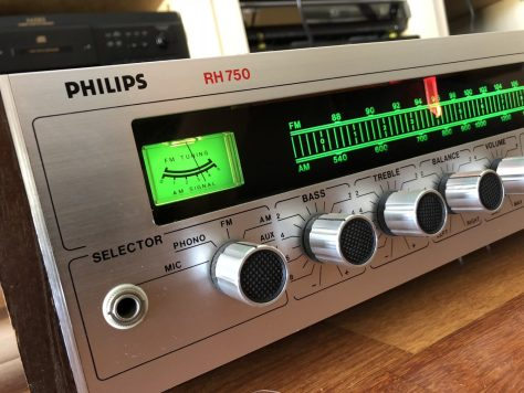 img_8690-600x450 Gorgeous Philips RH 750 Receiver & Why We Love Hi-Fi!