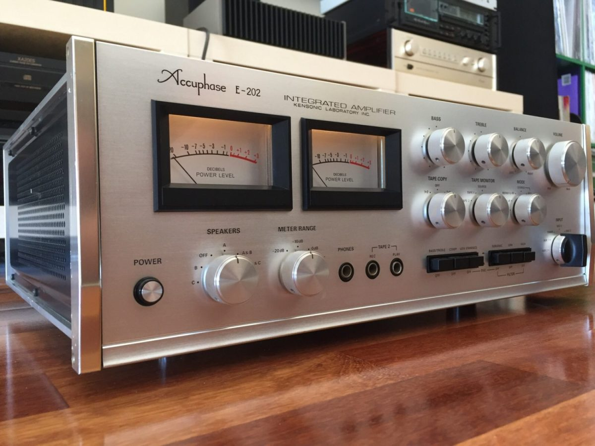 Accuphase E-202