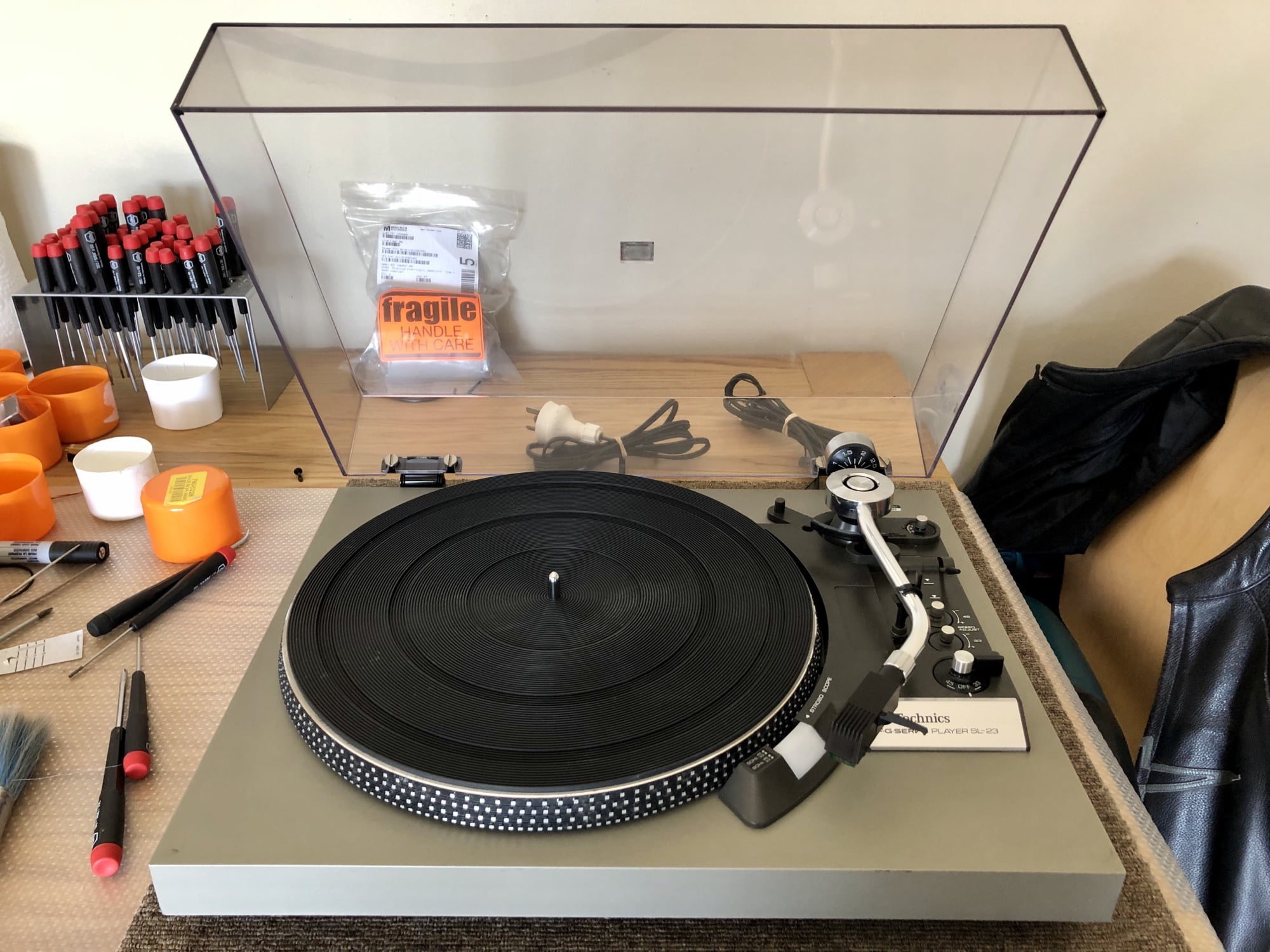 Read more about the article Lovely Technics SL-23 Turntable for Sale