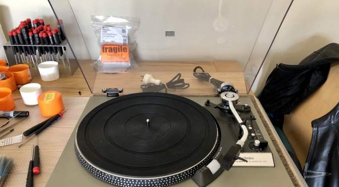 Lovely Technics SL-23 Turntable for Sale