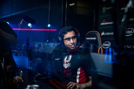 File:ShahZaM at DreamHack Open Valencia 2017.jpg