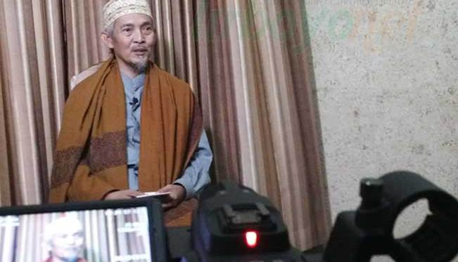 """KH. Abdullah Kafabihi Mahrus : """"Carilah Kawan yang baik"""""""