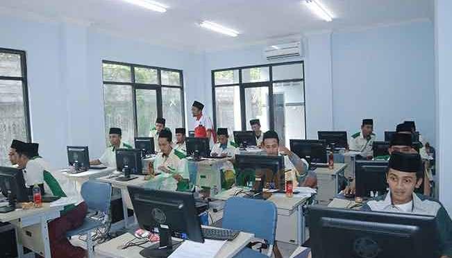 Balai Latihan kerja (BLK) Komunitas Pondok Pesantren Lirboyo