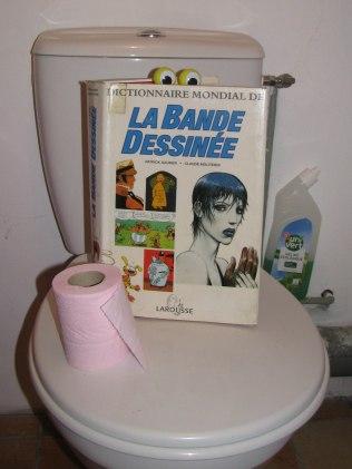 """""""Dictionnaire mondial de la bande dessinée"""", Patrick Gaumer et Claude Moliterni, ed Larousse."""