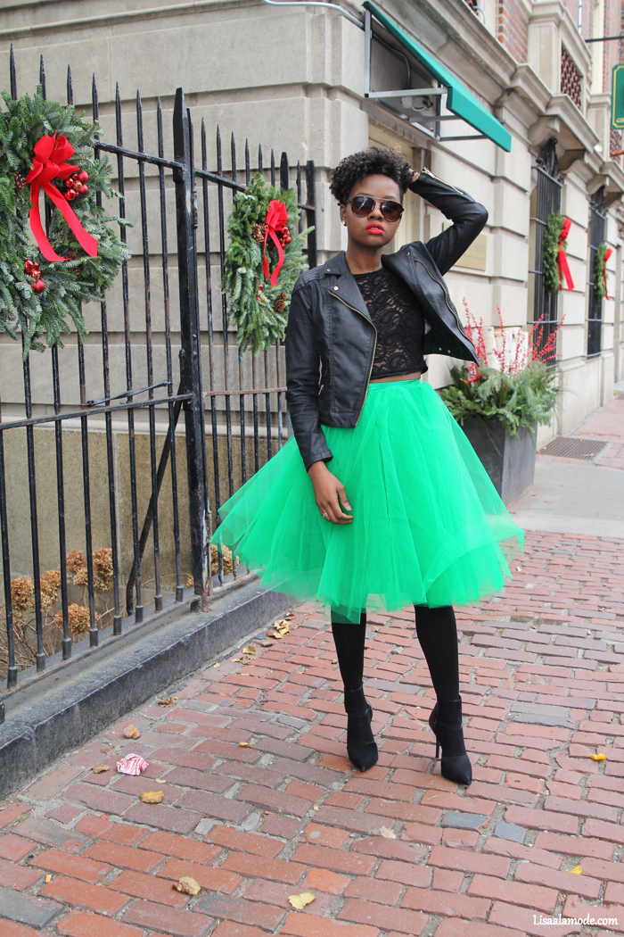 Black fashion blogger holiday outfit