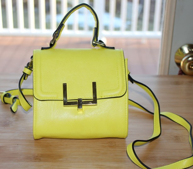 Target-crossbody-purse-yellow