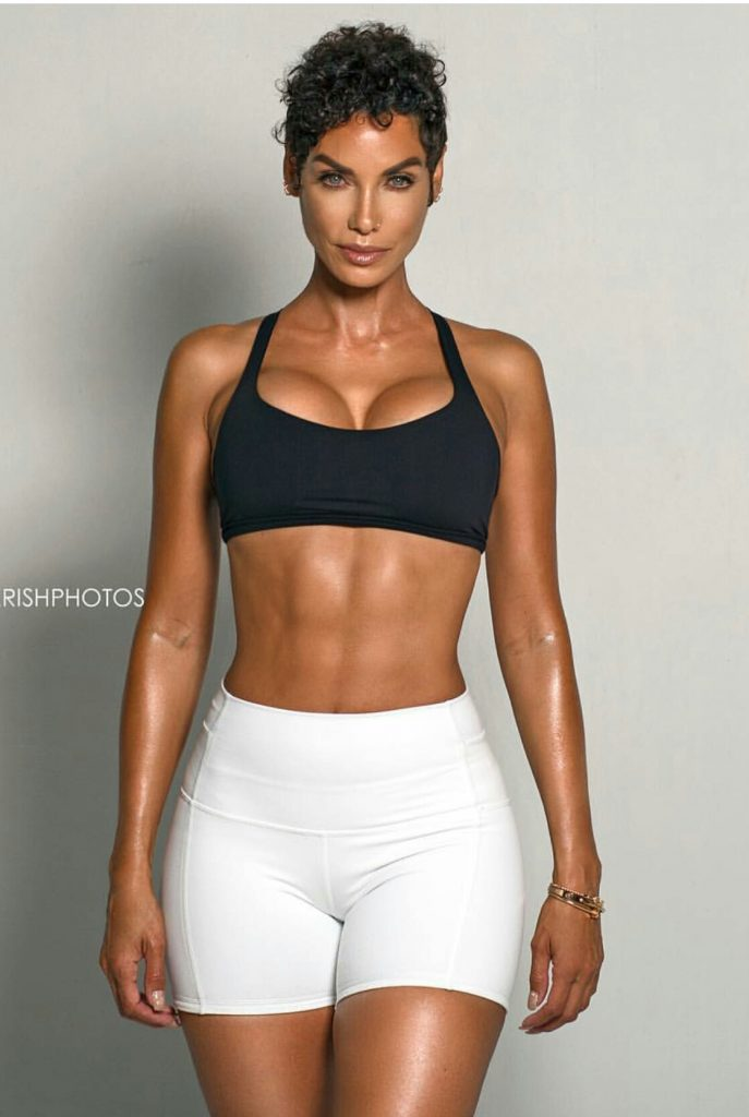 49 Best Laneya Grace Images On Pinterest: Nicole Murphy Is 49, Mighty Fine, And #Fitnessgoals