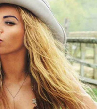Watch King Beyonce Shut Down the CMAs With and Epic Performance w/ the Dixie Chicks