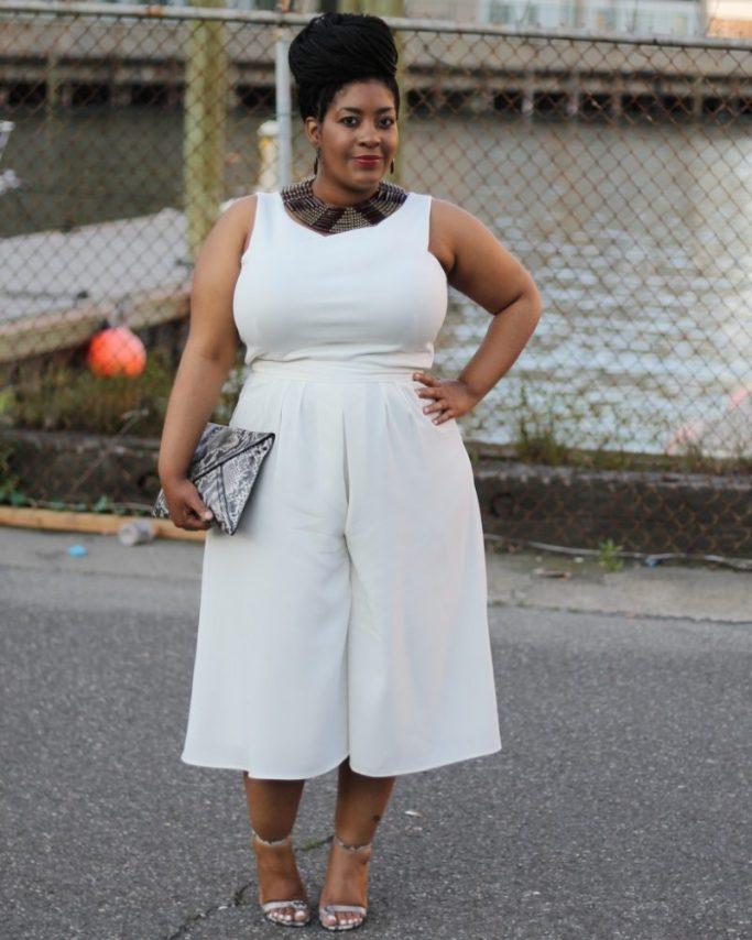 white-culottes-fashion-blogger