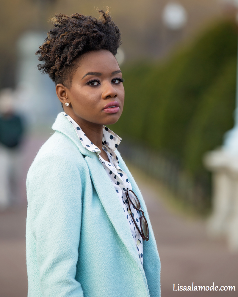what-to-wear-with-a-light-blue-jacket1