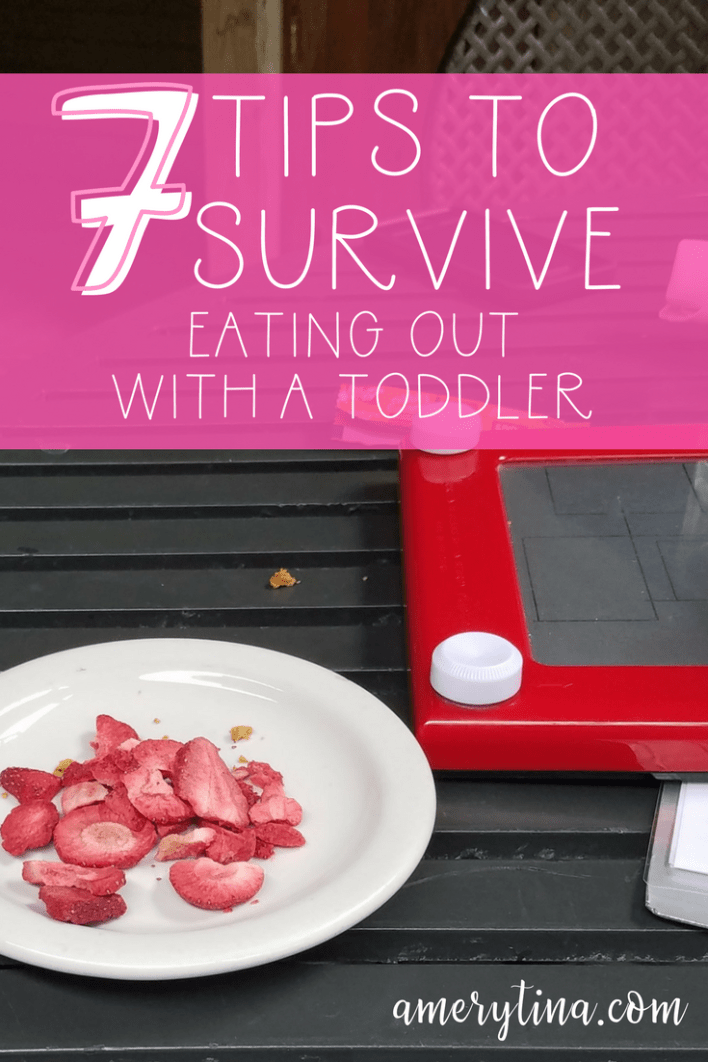 7 tips to survive eating out with a toddler | lisaalfaro.com #toddlerlife #momlife #eatingout