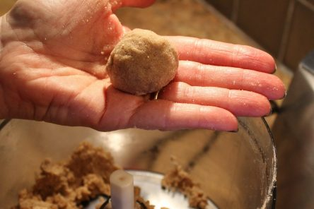 ginger_spice_1_forming_the_dough