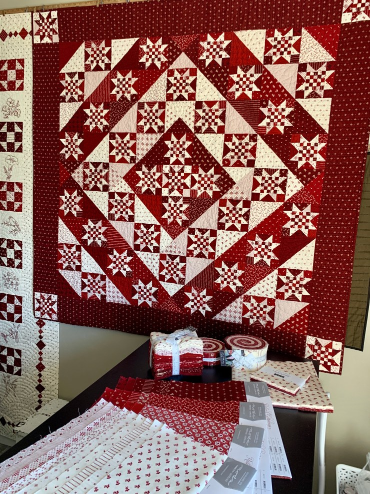 Redword Gatherings quilt giveaway featured by top US quilting blogger, Lisa Bongean