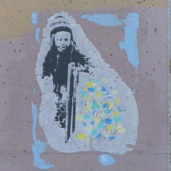 Street Art - Newcastle - October 2015 - Near Hunter - Artist Unknown