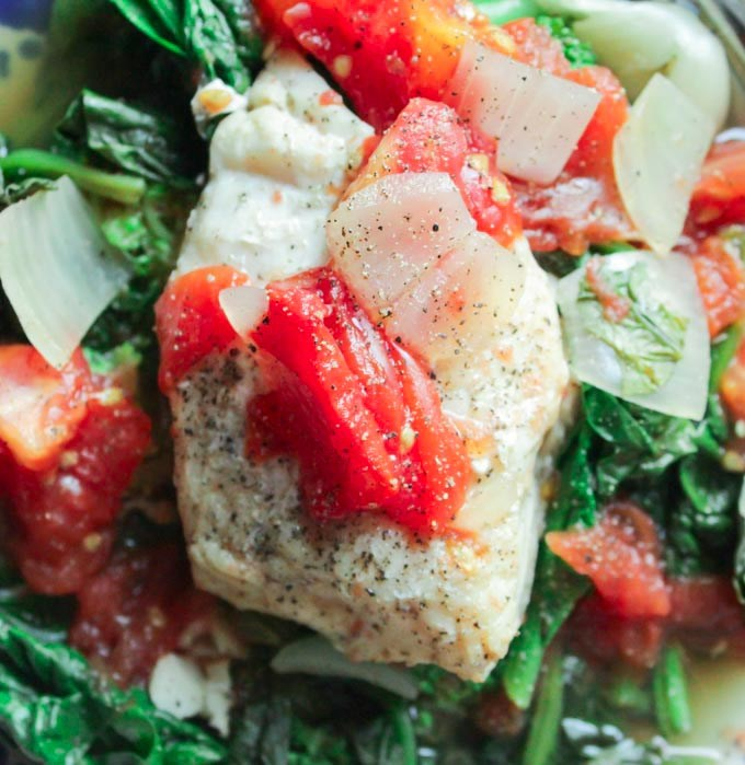 Poached Cod with Spinach and Broccoli