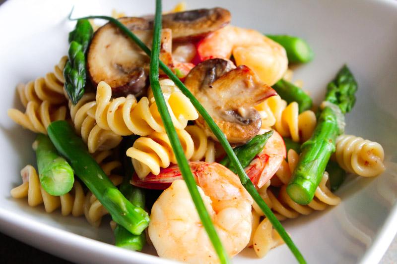 Pasta with Cremini Mushrooms, Shrimp and Asparagus