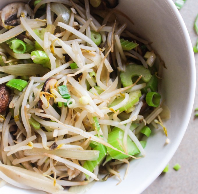 Bean Sprouts Stir Fry (Chow Mein)