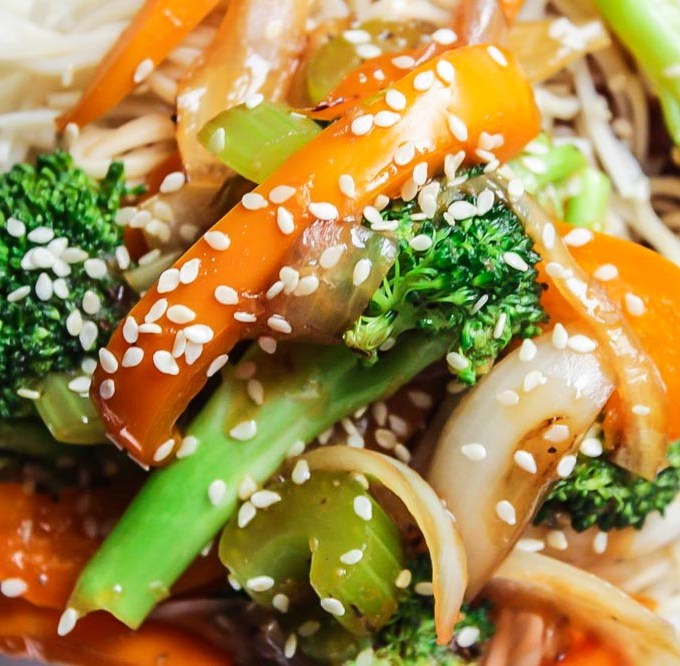 Vegetable Teriyaki Chow Mein