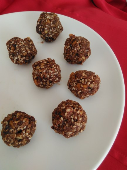 easy no bake recipes chocolate coconut oat bites Lisa Hughes blog