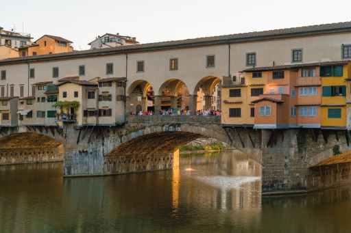Ponte Vecchio in Florenz where Andrea Vannini Found to Yoga