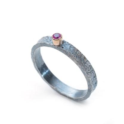 vegan sapphire engagement ring | Lisa Rothwell-Young