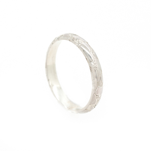 Alternative Wedding Ring - Lichen Texture Gold Platinum Side | Lisa Rothwell-Young