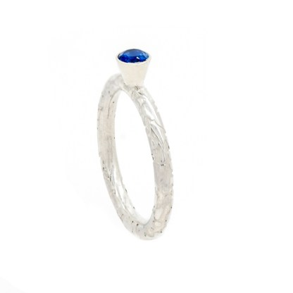 Sustainable Engagement Ring - Lichen Texture Sapphire Side View | Lisa Rothwell-Young