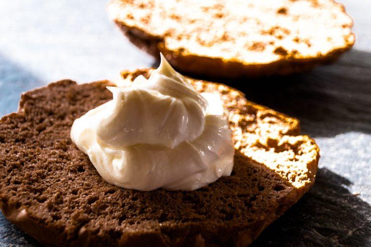 Proteintorte backen - ohne Zucker, Mehl und Butter. Gesund und lecker.