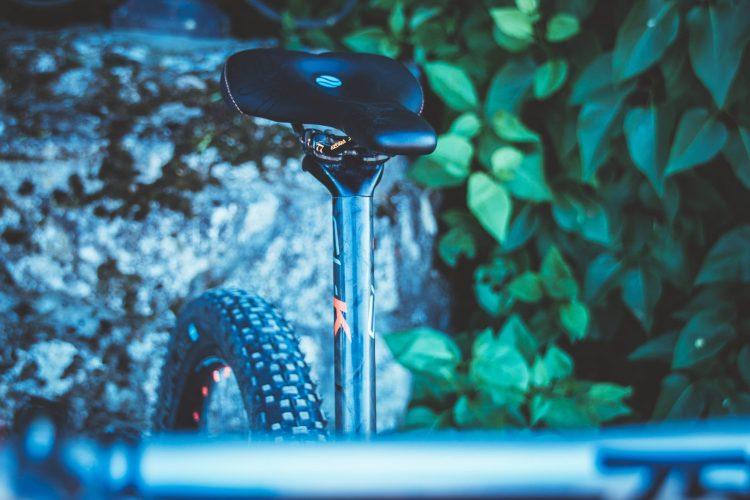 Mit dem richtigen Sattel keine Sitzschmerzen mehr beim Radfahren haben dank SQlab.