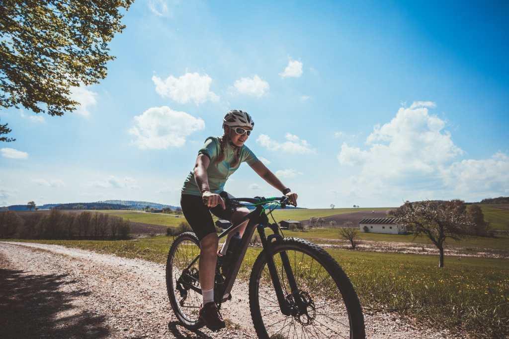 Radfahren für Anfänger - Mehr Ausdauer bei Bergen und Steigungen erlangen. Tipps und Tricks für Radler.