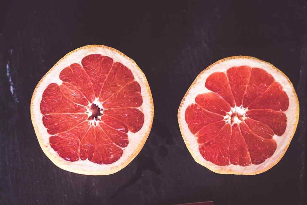 Abnehmen mit Obst - warum die Grapefruit dabei eine sehr wichtige Rolle spielt.
