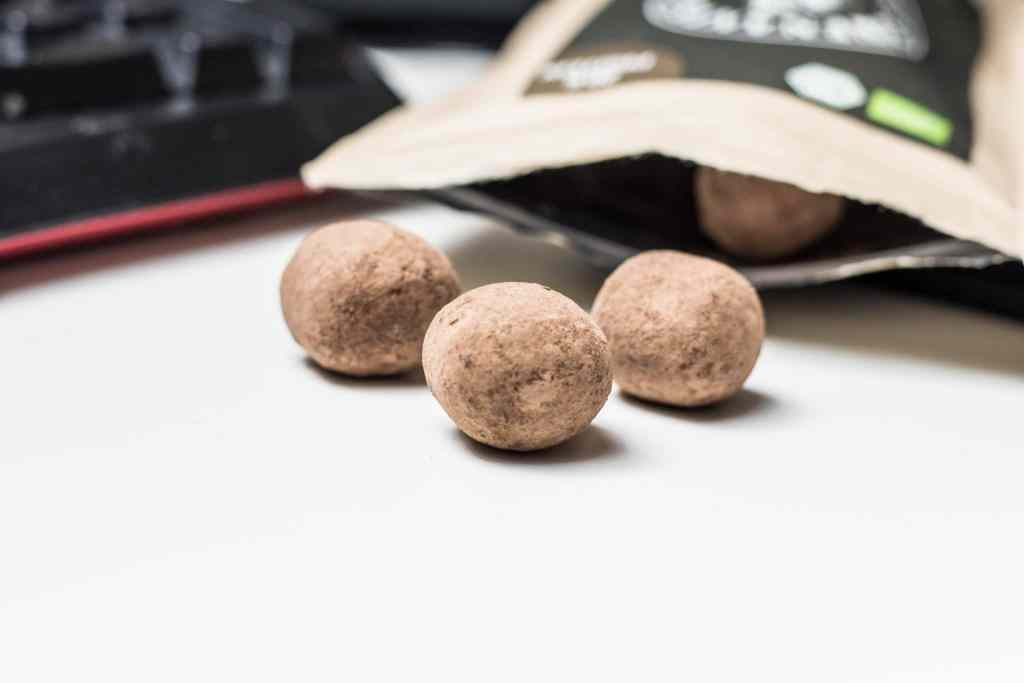 Gesunde Snacks für Zwischen durch - die Snack Balls von Löwenanteil lassen dich meiner Erfahrung nach gesund und lecker snacken. Ohne Reue.